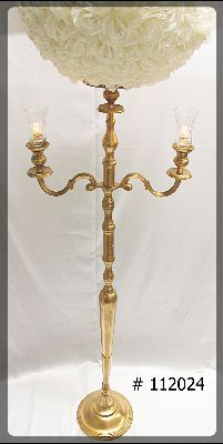 Gold-Candelabra-with-plate-and-flower-ball-90-inch-112024