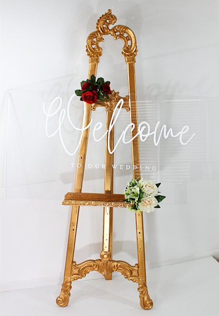 Welcome sign with beautiful gold easel toronto