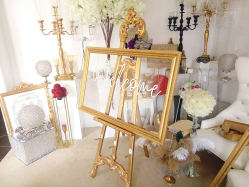 XL Easel with XL welcome sign and gold Frame